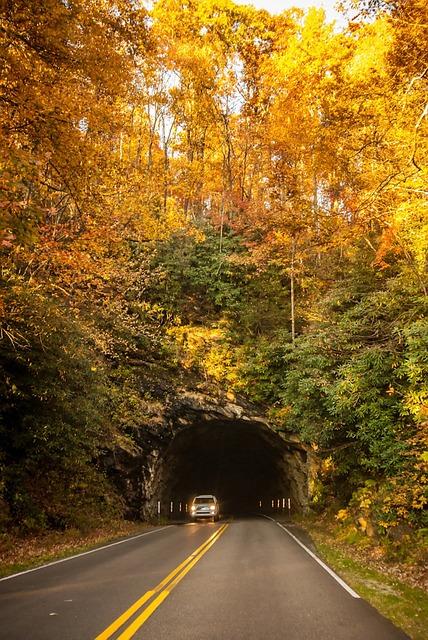 tunnel-220117_640